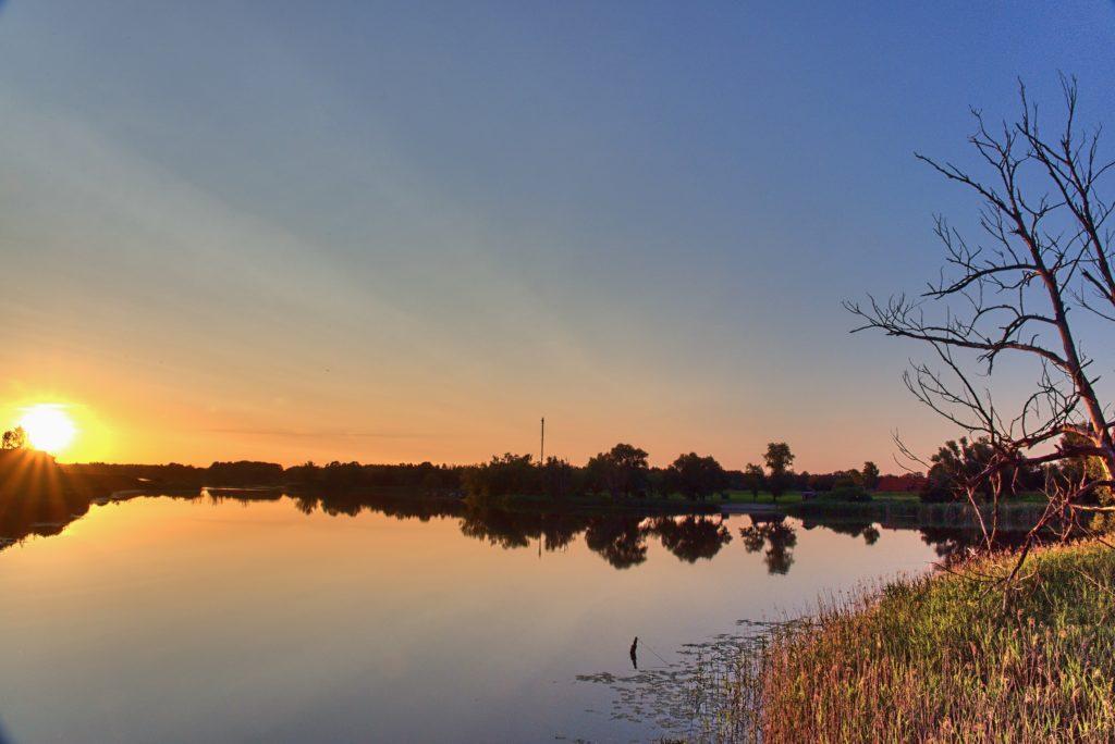 Der Gartower See in der Abendsonne